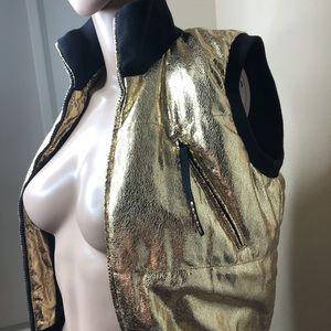 Jackets & Blazers - Gold metalic puffer